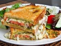 Бутерброд — гриль Капрезе